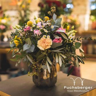 Fröhlicher Blumenstrauß