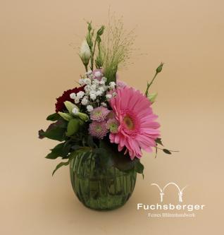 Kleiner Blumengruß mit Vase
